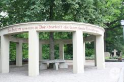 Kriegesdenkmal Gesamtansicht